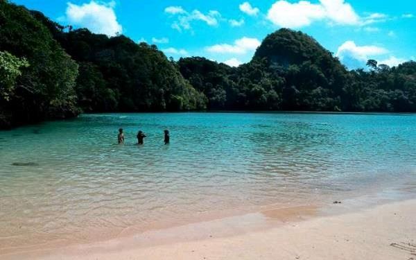 Pulau-Sempu-by-Galang-R