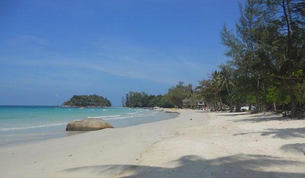 Keindahan-Pantai-Trikora
