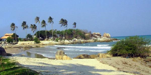 Pantai-Parai-Tenggiri-Bangka-Belitung