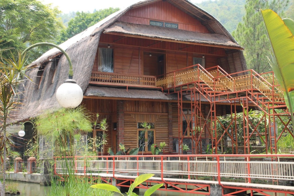 kampung pago room