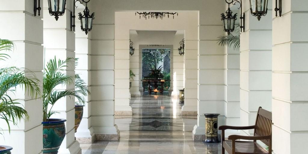 the-phoenix-hotel-yogyakarta lobby