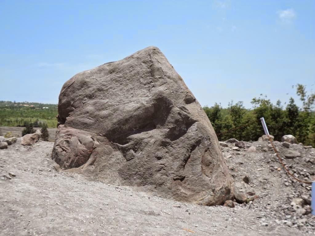Batu-Alien-Lava-tur