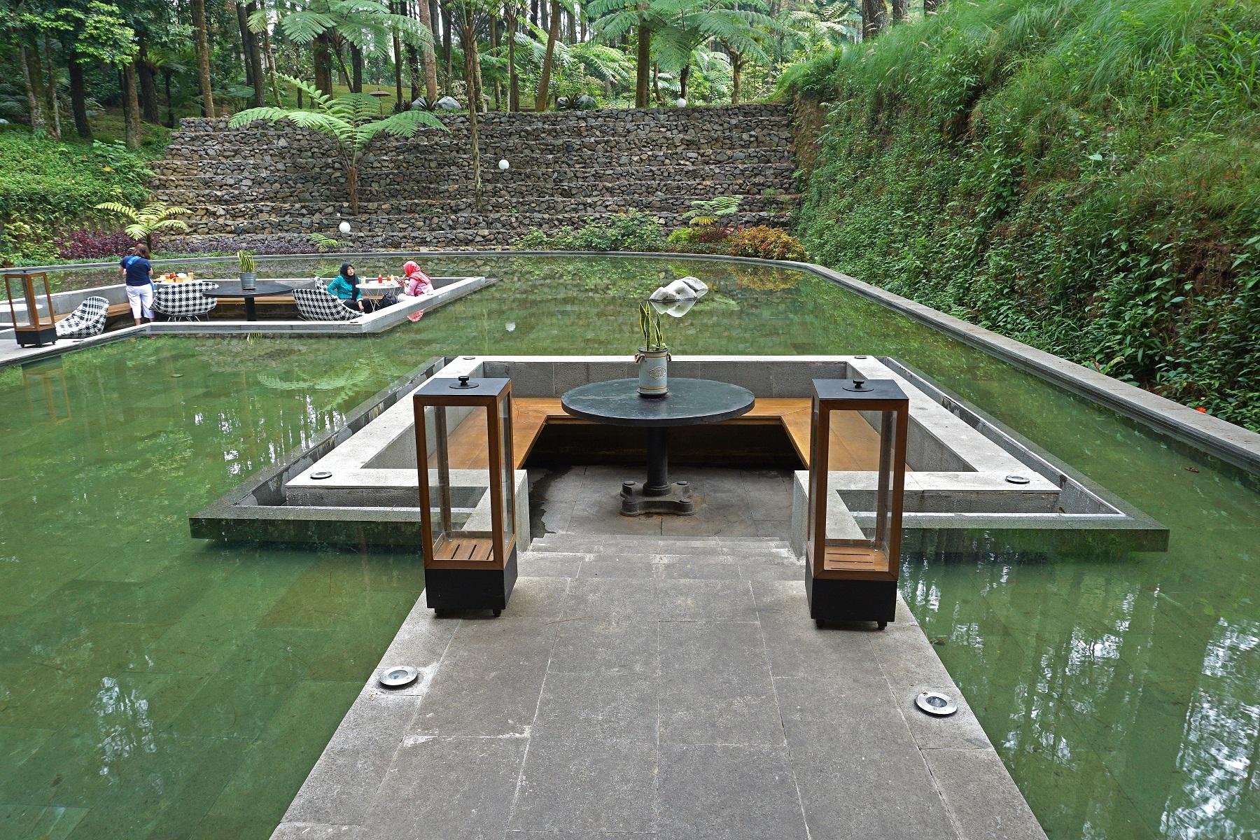 7 Tempat Makan Dengan Pemandangan Cantik Di Puncak Bogor