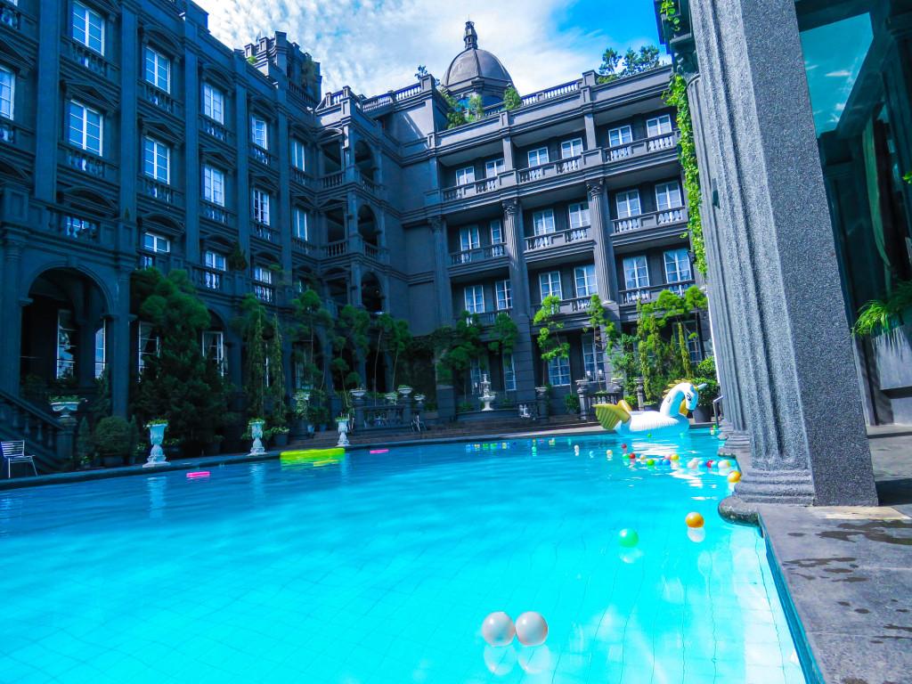 5 hotel di bandung dengan nuansa luar negeri for Dekor kamar hotel di bandung