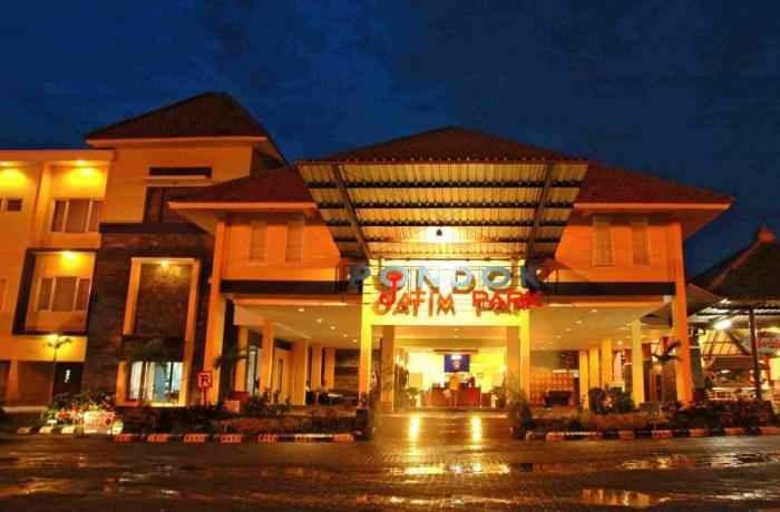 Pondok-Jatim-Park-Hotel-Cafe-Batu-Malang