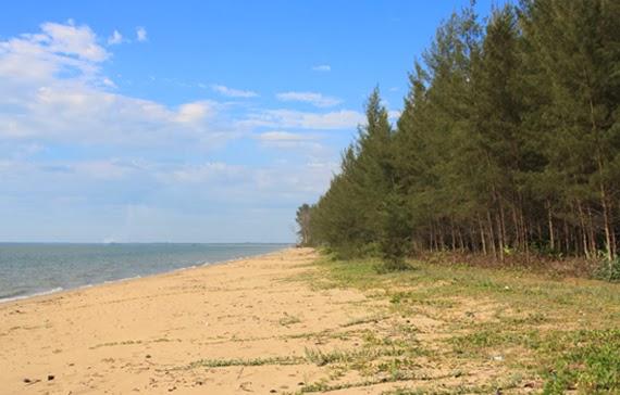 Selimpai Paloh beach