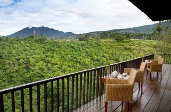 View Alam dari Teras Kamar Sangria Resort Spa Lembang