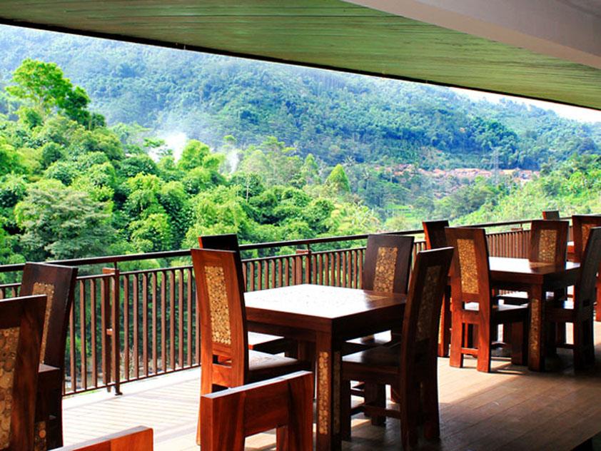 7 Hotel Dengan Pemandangan Hutan Yang Cantik Di Bandung