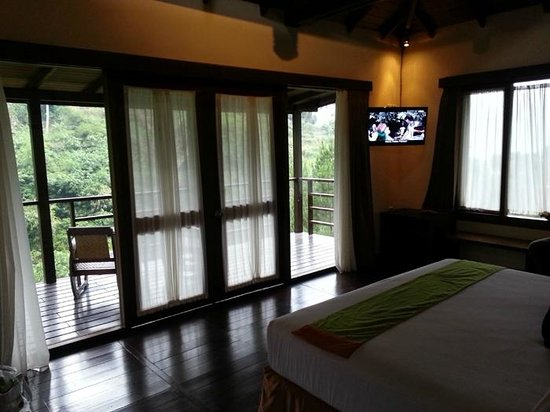 green-forest-resort room
