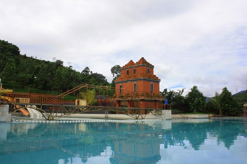 kampung pago pool