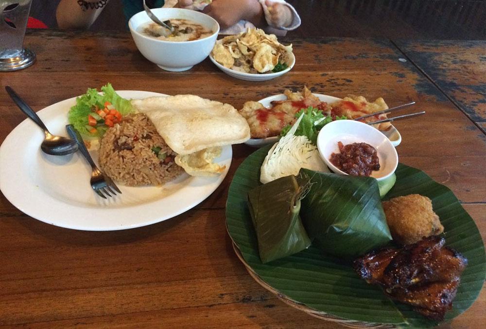 menu-makanan-di-rumah-stroberi