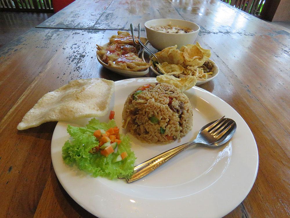 nasi-goreng-kambing-rumah-stroberi
