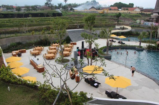 the-singhasari-resort