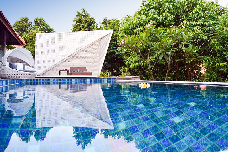 Arumdalu-Private-Resort-pool