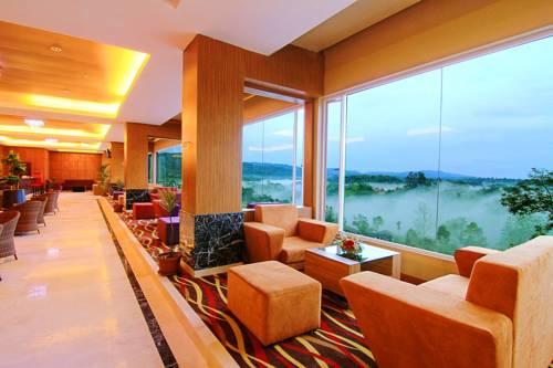 Grand-Rocky-Hotel