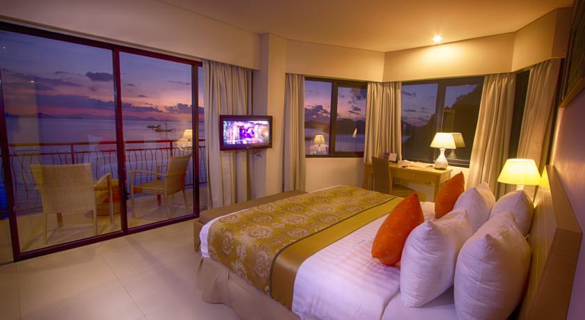 Laprima Hotel Flores room