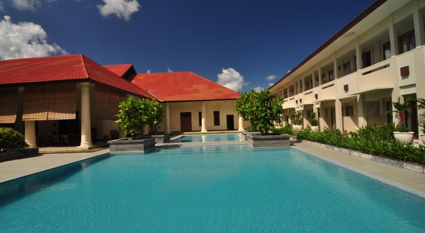 billiton-hotel-and-klub pool