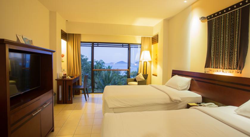 bintang flores hotel room