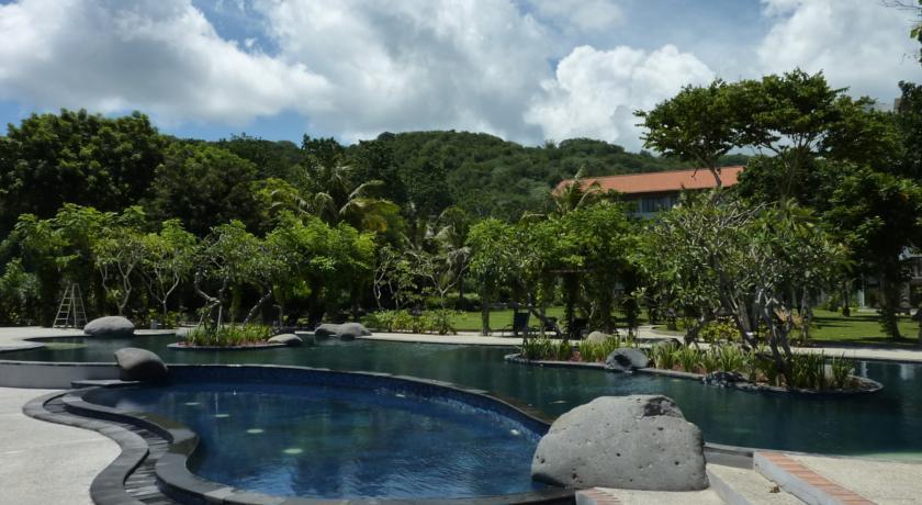 bintang flores hotel view
