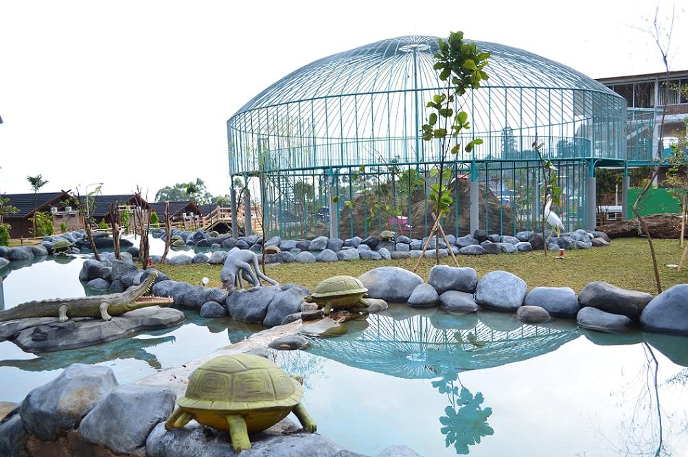ciwidey valley hot spring taman burung