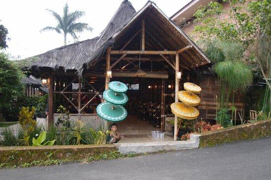 saung-gawir-bungalow