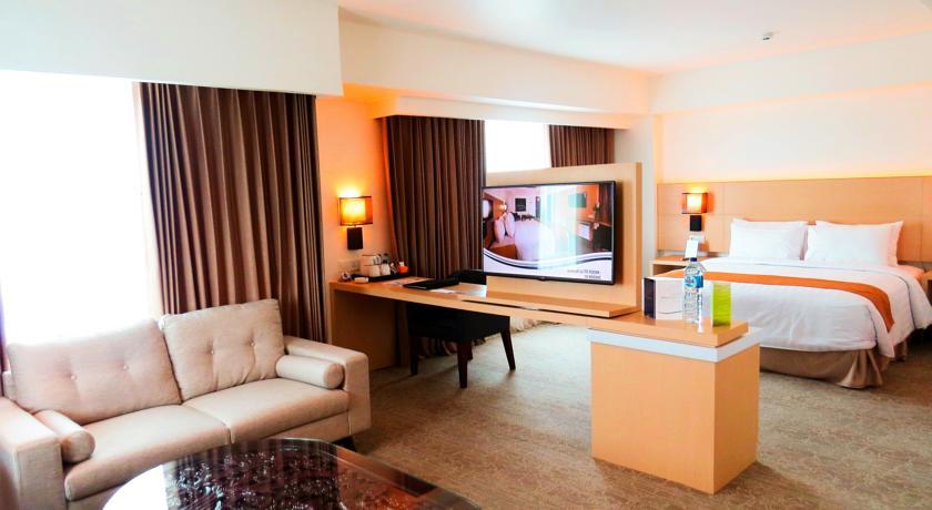 Aston Semarang Hotel