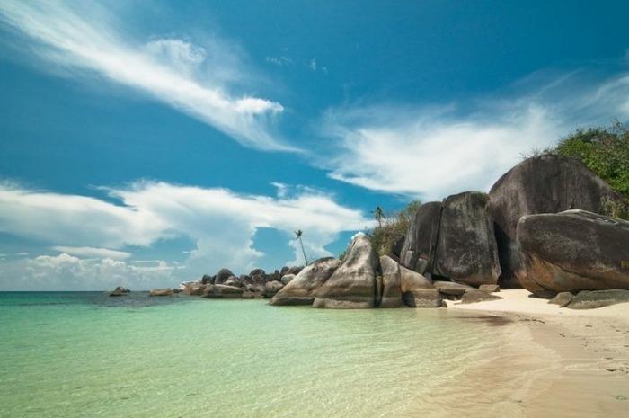 tanjung-tinggi-beach-belitung1