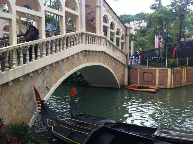 Image result for Wisata Kota Bunga Little Venice, Cipanas, Puncak