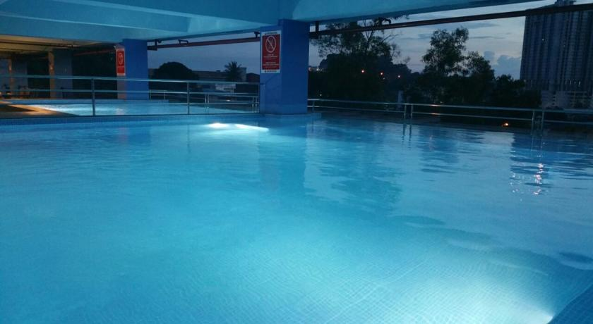 horrison-ultima-batam-pool