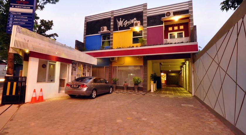 m-griya-guesthouse-1
