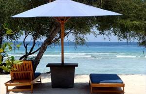 media-2014-09-19-beach-chairumbrella