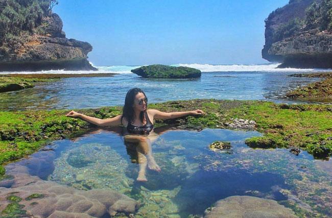 pantai-batu-bengkung-malang