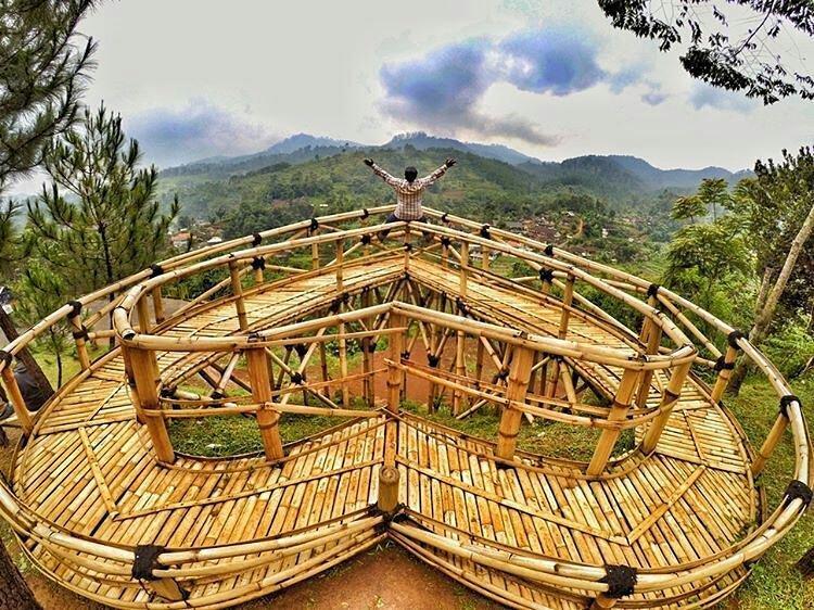 Barusen Hills Merupakan Objek Wisata Kaula Muda Yang Seru Juga Didatengin Bareng Keluarga  F F  B Barusen Hills Ini Terkenal Dengan Taman Cinta Nya Yang Ikonik
