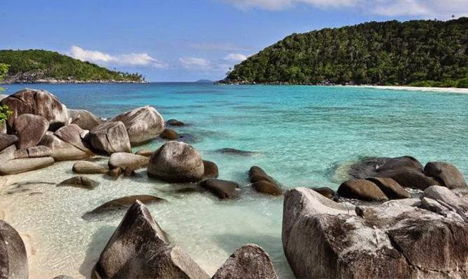 2-pulau-penjalin-via-idtempatwisata-1