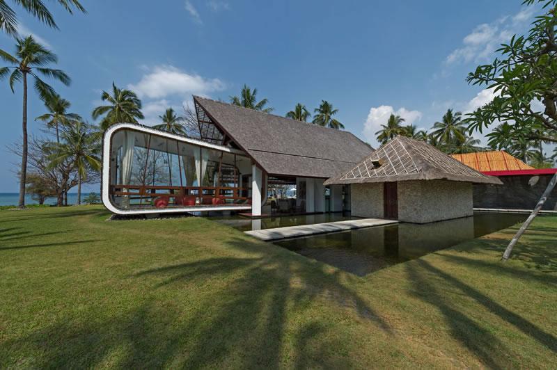 villa-sapi-entertainment-room-view-from-garden