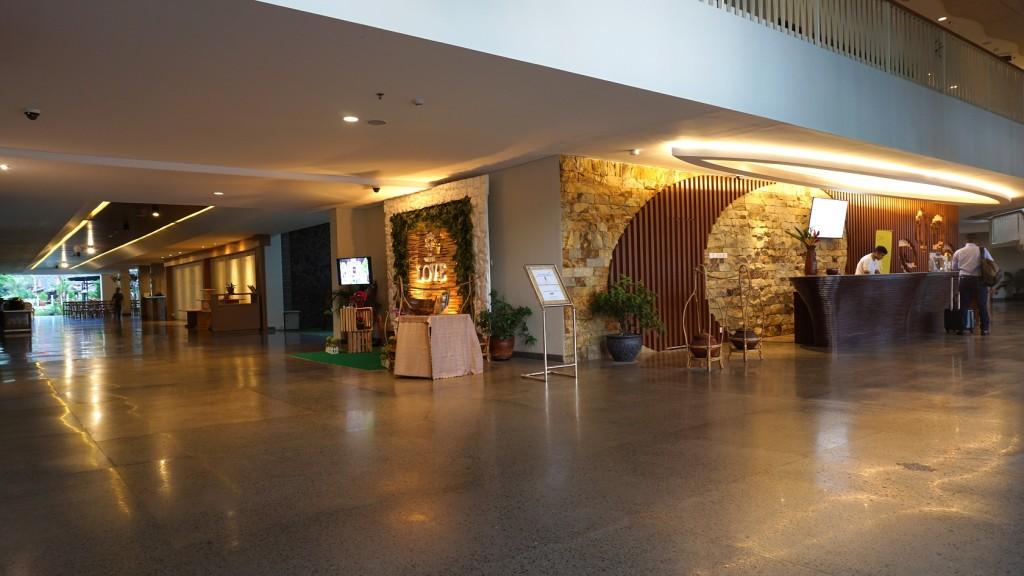 lobby-wujil-hotel-semarang
