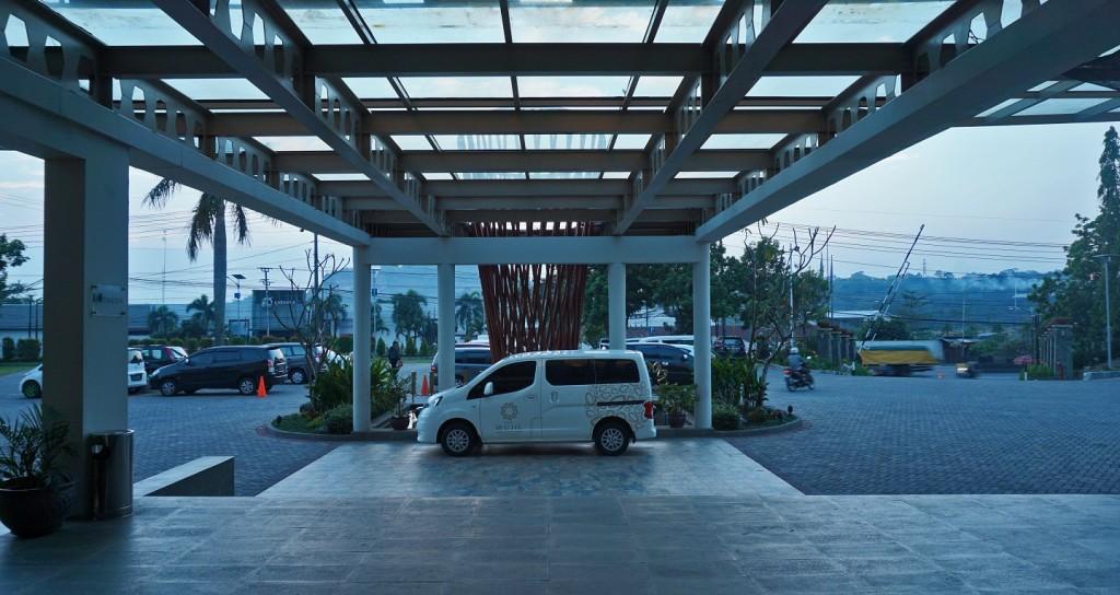 lobby-wujil-hotel-semarang-2
