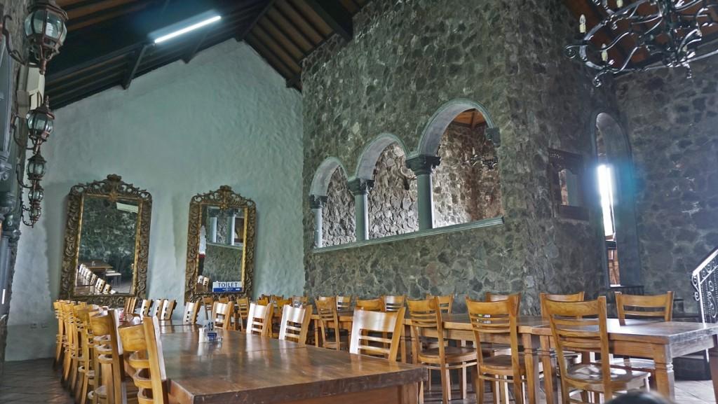 resto-gubug-mang-engking-indoor-jogja
