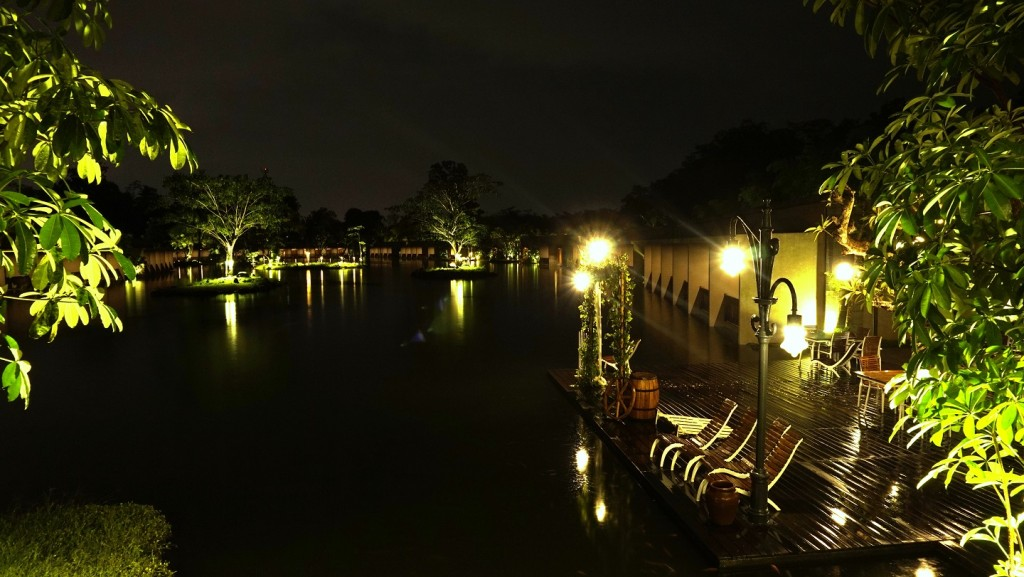 west-lake-jogja-night