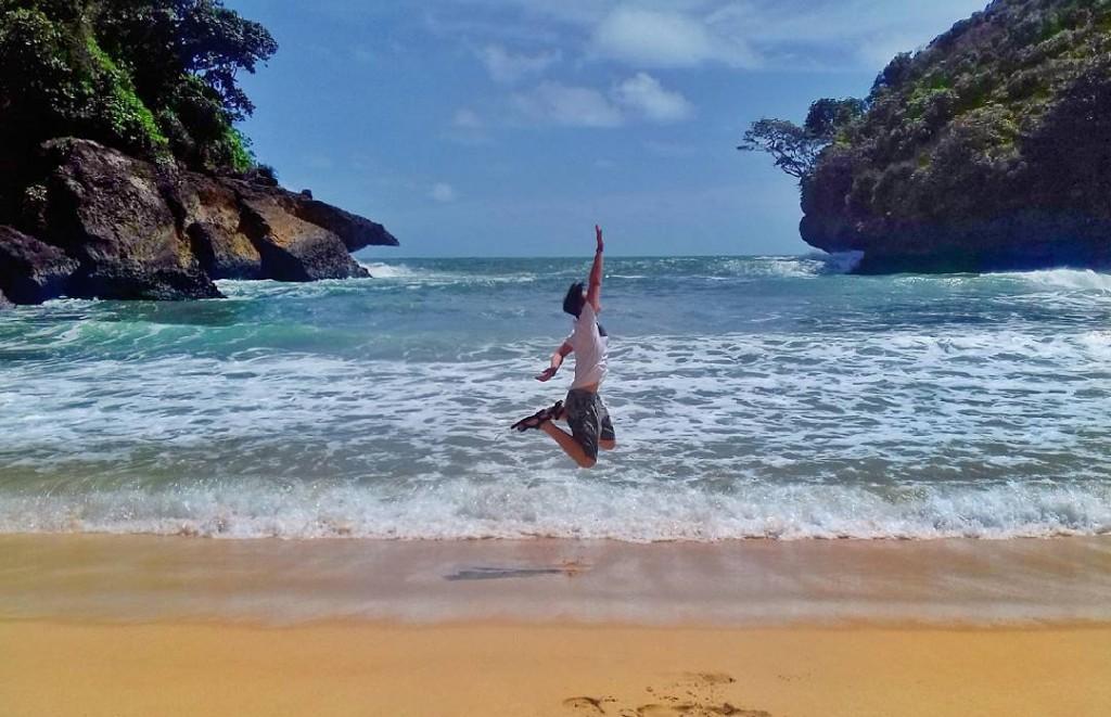 Pantai Mbehi Via : @rindang_abadi