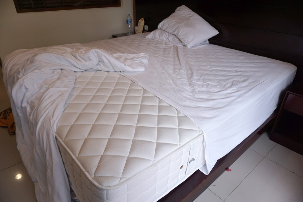 royal-safari-sprei-setengah