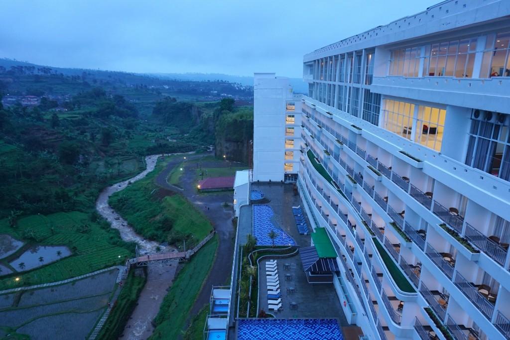 sahid-eminence-hotel-puncak-4