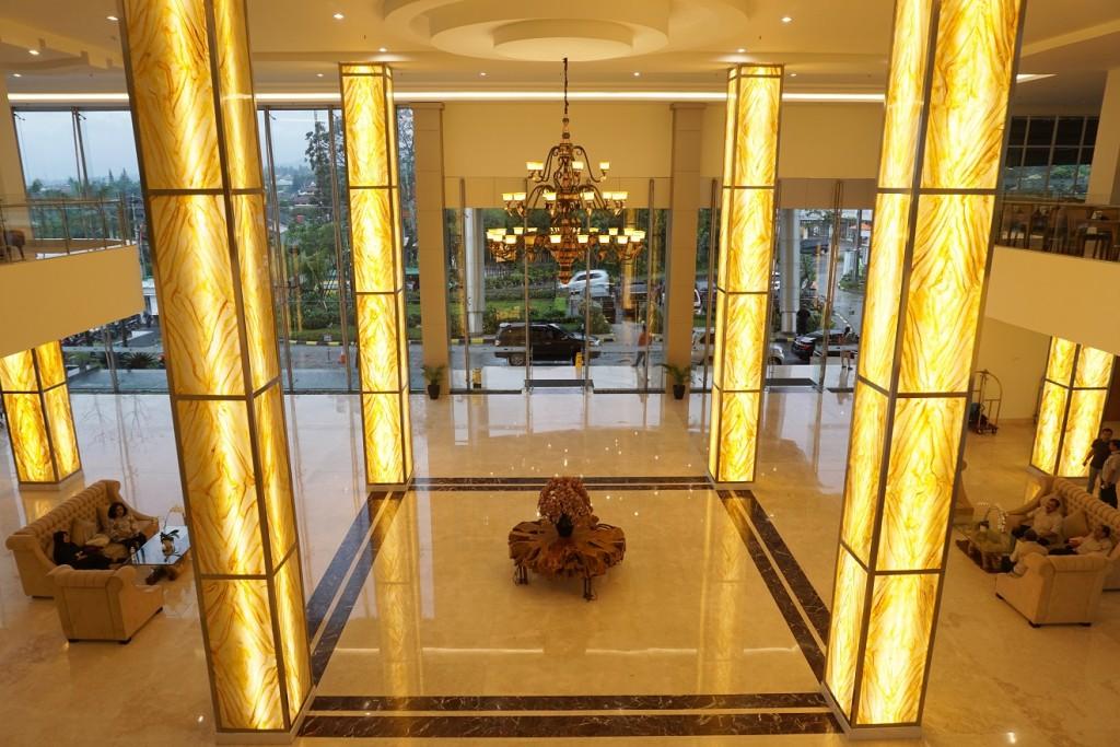 sahid-eminence-lobby