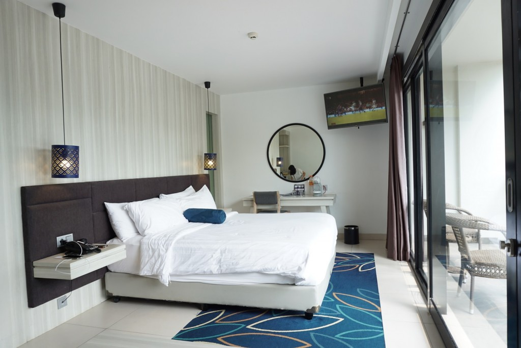 aston-anyer-room-2