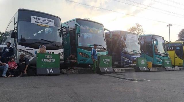 Naik Travel Ke Lembang