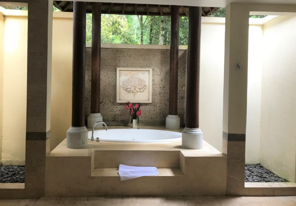 bathroom-puri-candikuning