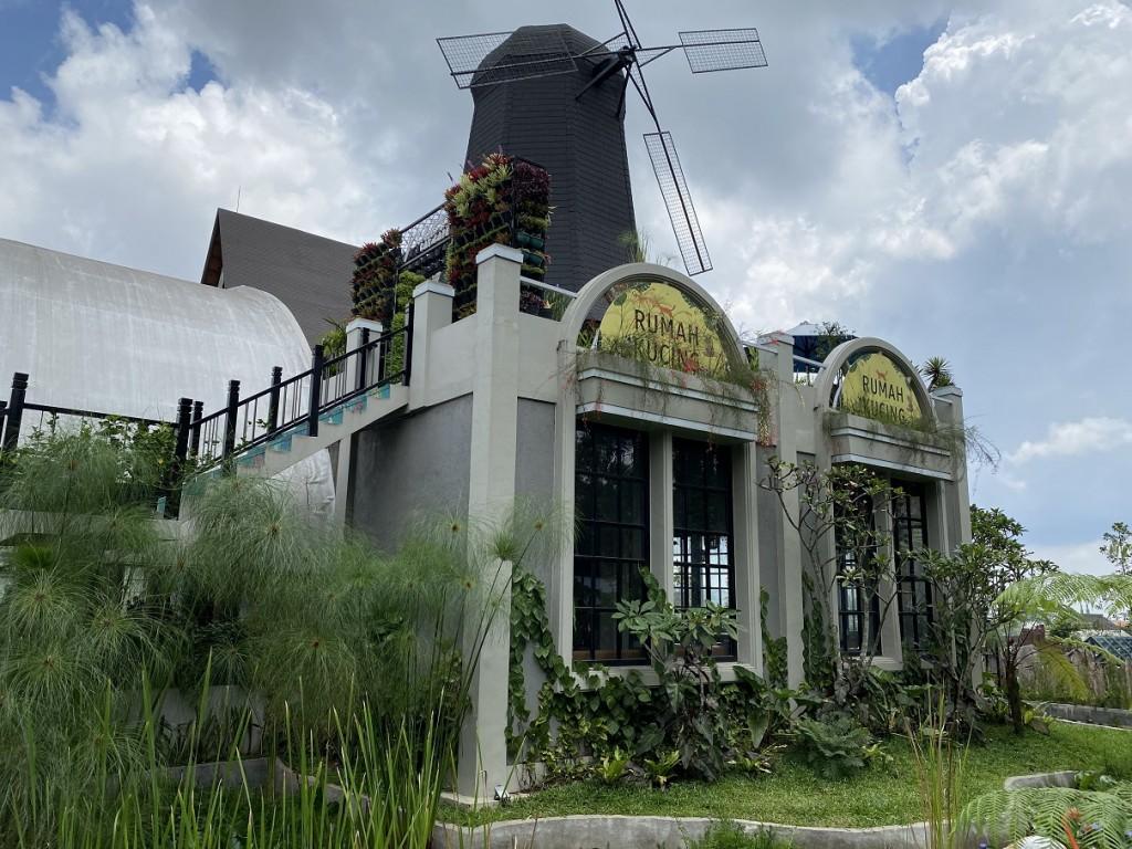 lembang-park-and-zoo