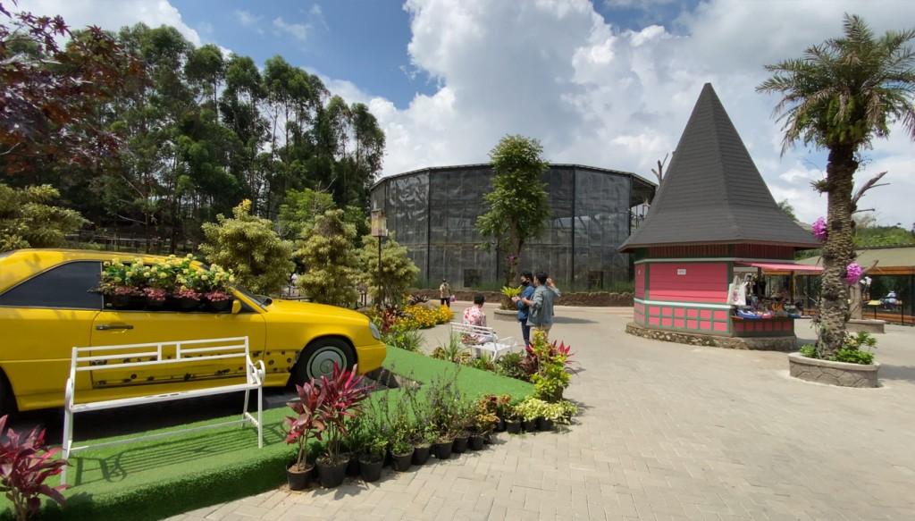 lembang-park-and-zoo1